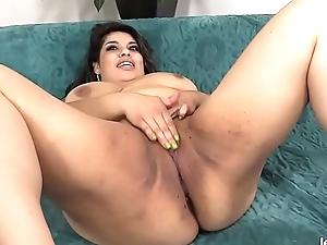 BBW Bella Bangz sucking and having it away