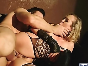 Sultry milf Brandi Love gets fur pie boned
