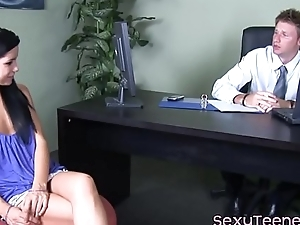 Teen patient fingered while cocksucking doc