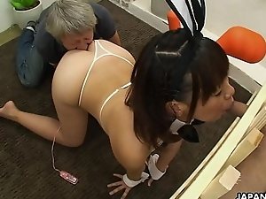 Asian pet girl is caged and be compelled suck cocks
